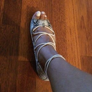 Shoes - FLATS FAUX SNAKE PRINT SHOES (NEW)